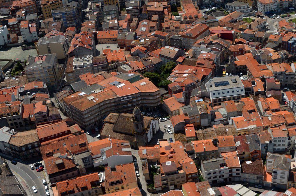 Casco urbano y antiguo turismo a guarda for Oficina del casco antiguo