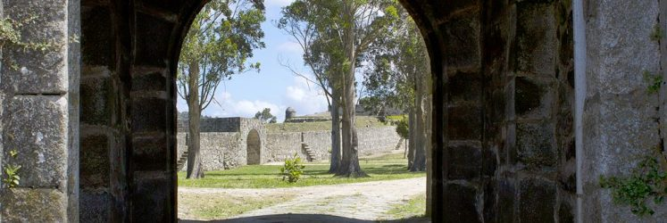 Puerta de la Villa en Santa Curz