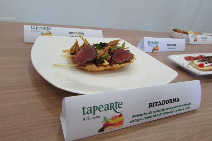 Bitadorna. Solombo de xabarín con puré de castaña galega, redución de Mencía e pataca chip