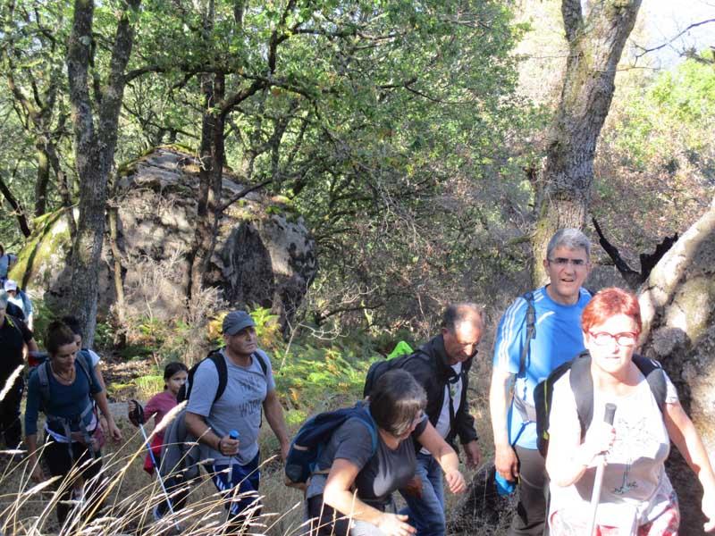 El pasado sábado día 20 de octubre se celebró la segunda salida, en la que los participantes realizaron una ruta de unos 15 km por el Monumento Natural de Pena Corneira.