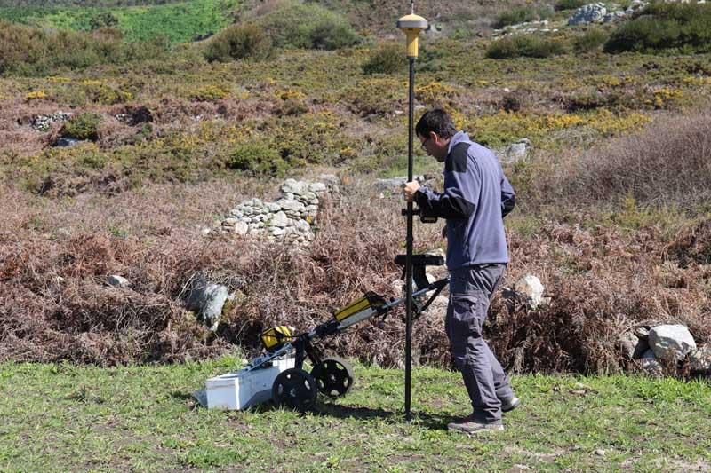 El proyecto «A Guarda, Mar de Sal» no se limita a la excavación, sino que por medio de las últimas tecnologías se quiere conseguir la imagen más amplia y precisa posible de la extensión y de la morfología de estas salinas.