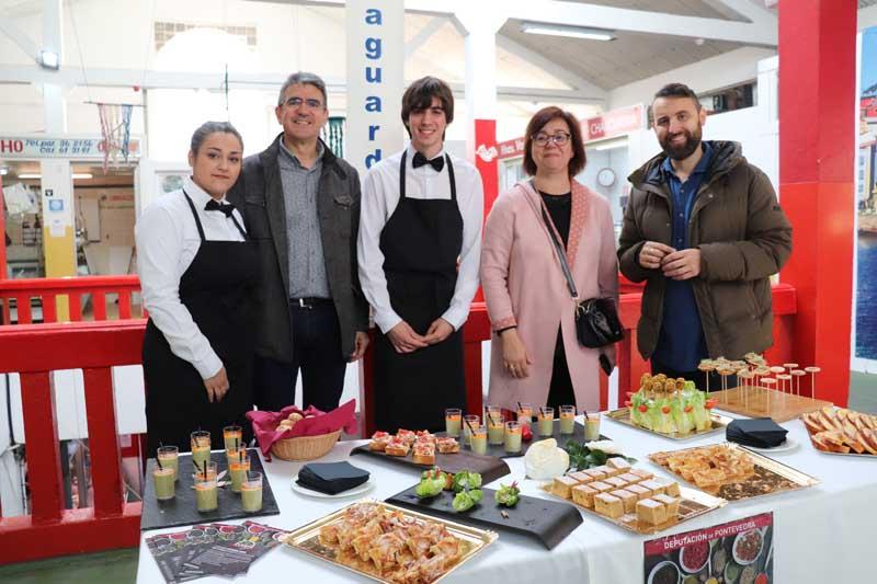O programa Degusta Europa chegou á Praza de Abastos da Guarda na mañá deste xoves día 11 de abril coas elaboracións realizadas polos alumnos do CIFP Manuel Antonio de Vigo.